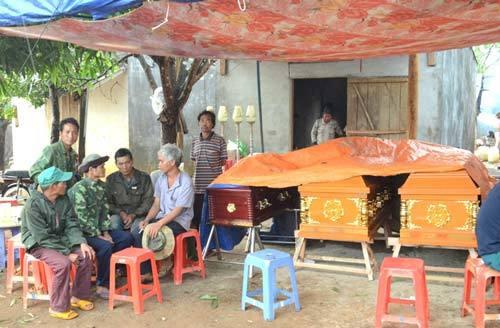 Lốc xoáy, cây đổ đè chết 3 người trong cùng gia đình