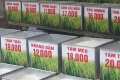 Tiết lộ chết người từ cửa hàng bán gạo thơm