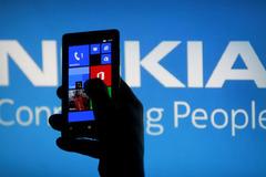 Nokia sẽ trở lại thị trường di động vào năm 2016