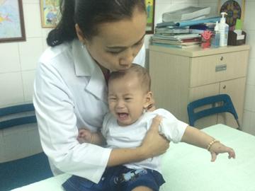 TP.HCM: 6 tháng kỳ diệu của sơ sinh 'văng khỏi bụng mẹ' - 2