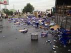 Xe chở bia gặp nạn, bia tràn ngập mặt đường