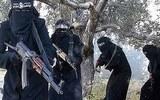 Hé lộ hình phạt kinh hoàng của IS với nữ giới
