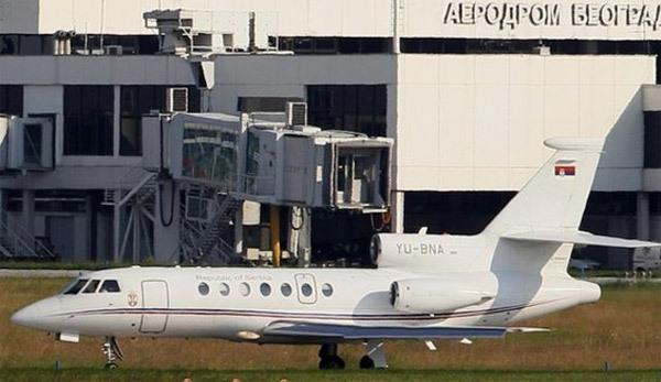 Hai phút kinh hoàng trên máy bay chở Tổng thống Serbia