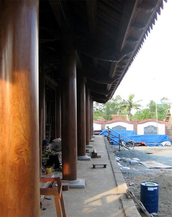 Xứ Nghệ có nhà gỗ 50 tỷ giống hệt Tử Cấm Thành