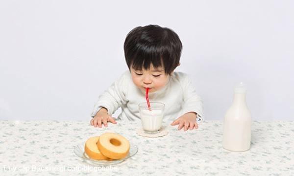 uống sữa, sai lầm, cho con bú, bà mẹ