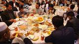 Chú rể tá hỏa vì 600 khách không mời dự hôn lễ