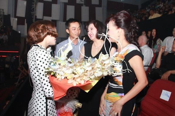 Mỹ nhân Việt lấy chồng giàu và những chuyện nuốt nước mắt