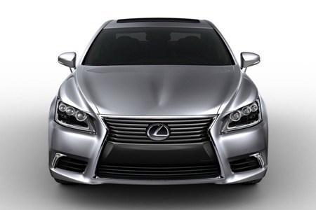 Đường dây buôn lậu Lexus Campuchia vào Việt Nam