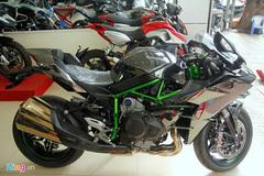 Siêu môtô Kawasaki Ninja H2 đầu tiên về Việt Nam