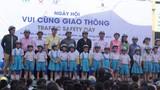 Trao 500 mũ bảo hiểm cho học sinh tiểu học TPHCM