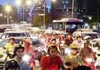 Trung tâm Sài Gòn hỗn loạn giao thông vì lệnh cấm đường