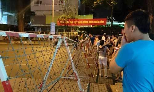 Trung tâm Sài Gòn hỗn loạn giao thông vì lệnh cấm đường - 5