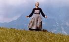 Những chiếc váy đắt giá nhất lịch sử điện ảnh Hollywood