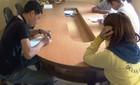 9 cô gái thay phiên kích dục cho khách tại quán cà phê