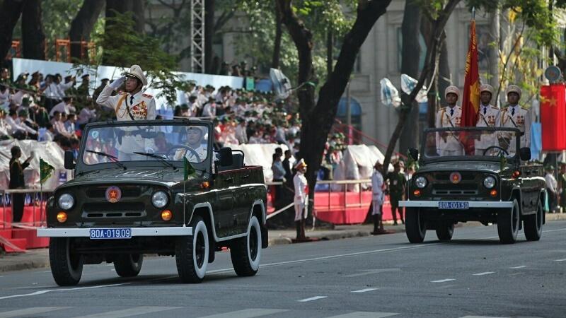 TP.HCM, mít tinh, diễu binh, diễu hành, cảnh sát giao thông, cảnh sát cơ động, dân phòng