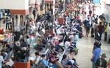 Người dân vội vã rời Sài Gòn về quê sớm