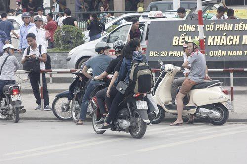 bến xe, Mỹ Đình, bát nháo, giao thông, cảnh sát, người dân, vi phạm