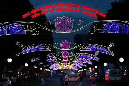 Sài Gòn đẹp lung linh chờ đón đại lễ 30/4 - 4