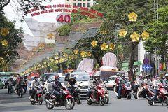 Thời sự trong ngày: 40 năm thống nhất đất nước