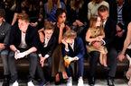 Cả nhà Beckham sành điệu đi xem thời trang