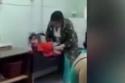 10 clip 'nóng': Bé gái bị đánh dã man vì sợ tiêm