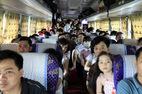 Bắt giữ xe khách nhồi trăm người dưới nắng nóng