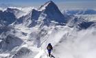 Đỉnh Everest sụt 2,4 centimet sau động đất