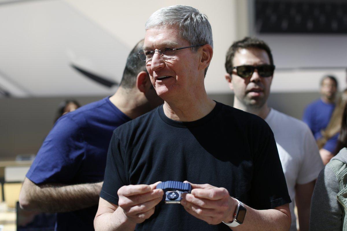Cận cảnh chiếc Apple Watch độc nhất vô nhị của CEO Apple