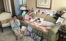 Thành Long khoe quà, tiền mừng sinh nhật phủ kín ghế sofa
