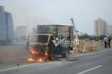 Hà Nội: Xe tải bốc cháy dữ dội