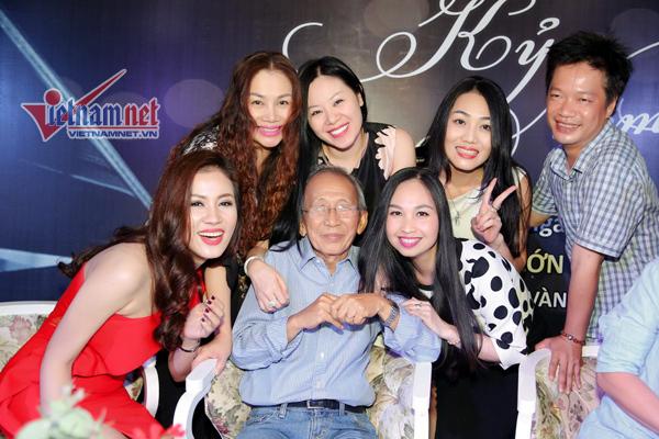 Nguyễn Ánh 9: 'Không mời Khánh Ly vì dành cơ hội cho người khác'