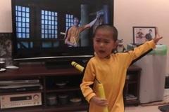 (Clip) Xem cậu nhóc 5 tuổi múa côn như Lý Tiểu Long