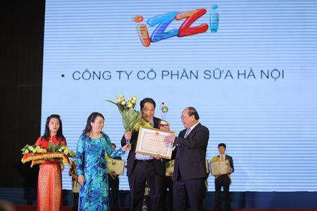IZZI S+ vào top 20 'Thương hiệu vàng thực phẩm VN' 2014