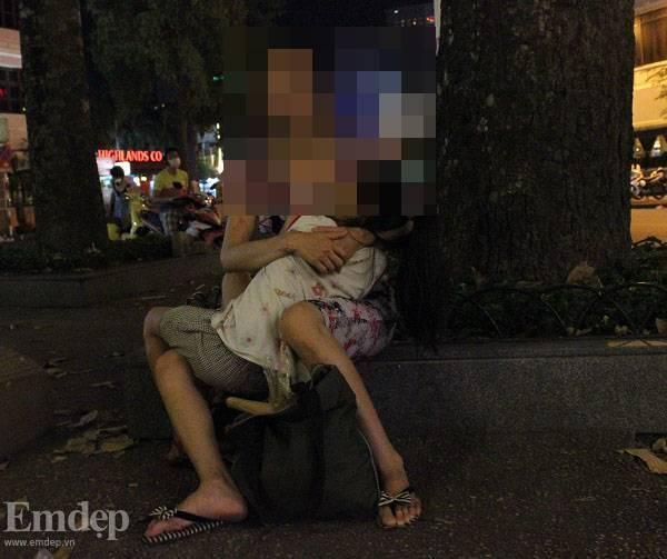 Nghị lực làm mẹ đơn thân của người đàn bà có số phận nghiệt ngã