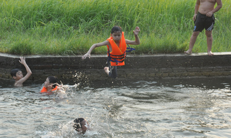 Chốn học bơi mọi trẻ em thèm muốn