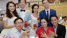 Vợ chồng Thanh Thanh Hiền tình cảm đi đám cưới đôi