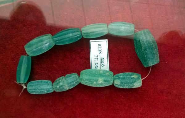 Bộ trang sức đá ngàn năm có một ở Quảng Nam