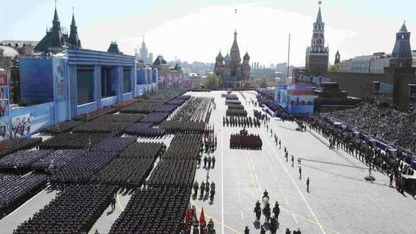 Lễ duyệt binh hoành tráng trên Quảng trường Đỏ
