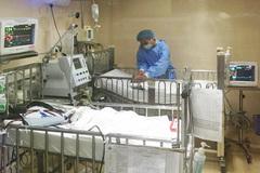 2 bệnh nhi biến bị chứng hiếm gặp do ho gà