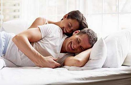 Chuyện ngủ chung ngủ riêng của vợ trẻ chồng già