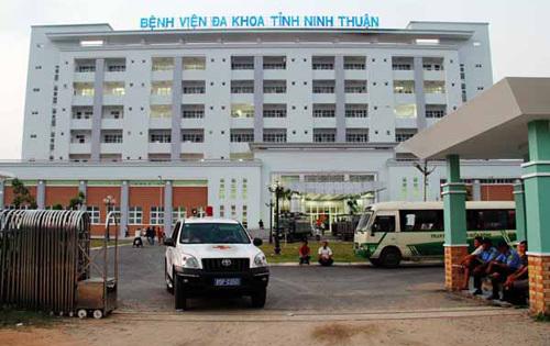 Bệnh viện bỏ mặc bệnh nhân là... cán bộ y tế