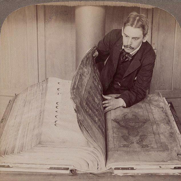 Bí ẩn chưa có giải đáp về cuốn 'Kinh Quỷ dữ'