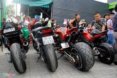 Hàng chục siêu môtô hội tụ ở Sài Gòn