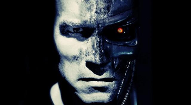 Stephan Hawking: 100 năm nữa robot sẽ kiểm soát con người