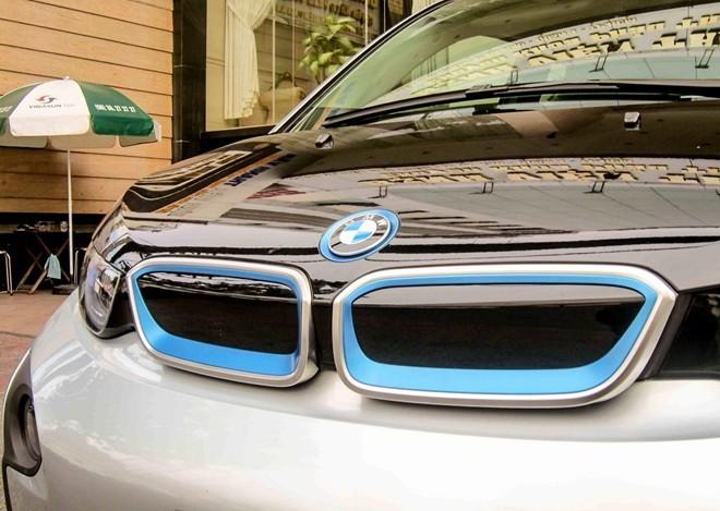 Xe độc BMW i3 đầu tiên tại Sài Gòn