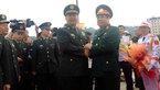 Cái bắt tay chặt của Bộ trưởng Quốc phòng Việt-Trung