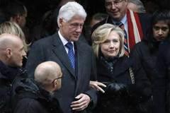 Số tiền khủng Hillary và Bill Clinton kiếm được từ diễn thuyết