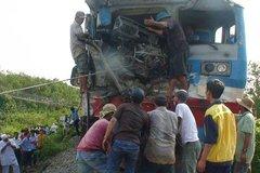 Ôtô đâm tàu, ngành đường sắt chưa bao giờ được bồi thường!