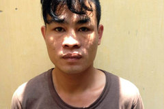 Hà Nội: Đấu điện vào cửa sắt để ngăn cản công an