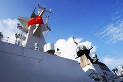 Trung Quốc cử tàu khu trục tàng hình đi triển lãm